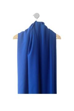 Tissu Giglio pour robe bleu électrique amasos sur cintre