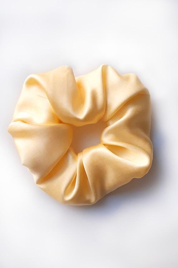 chouchou en soie jaune haut de gamme made in France