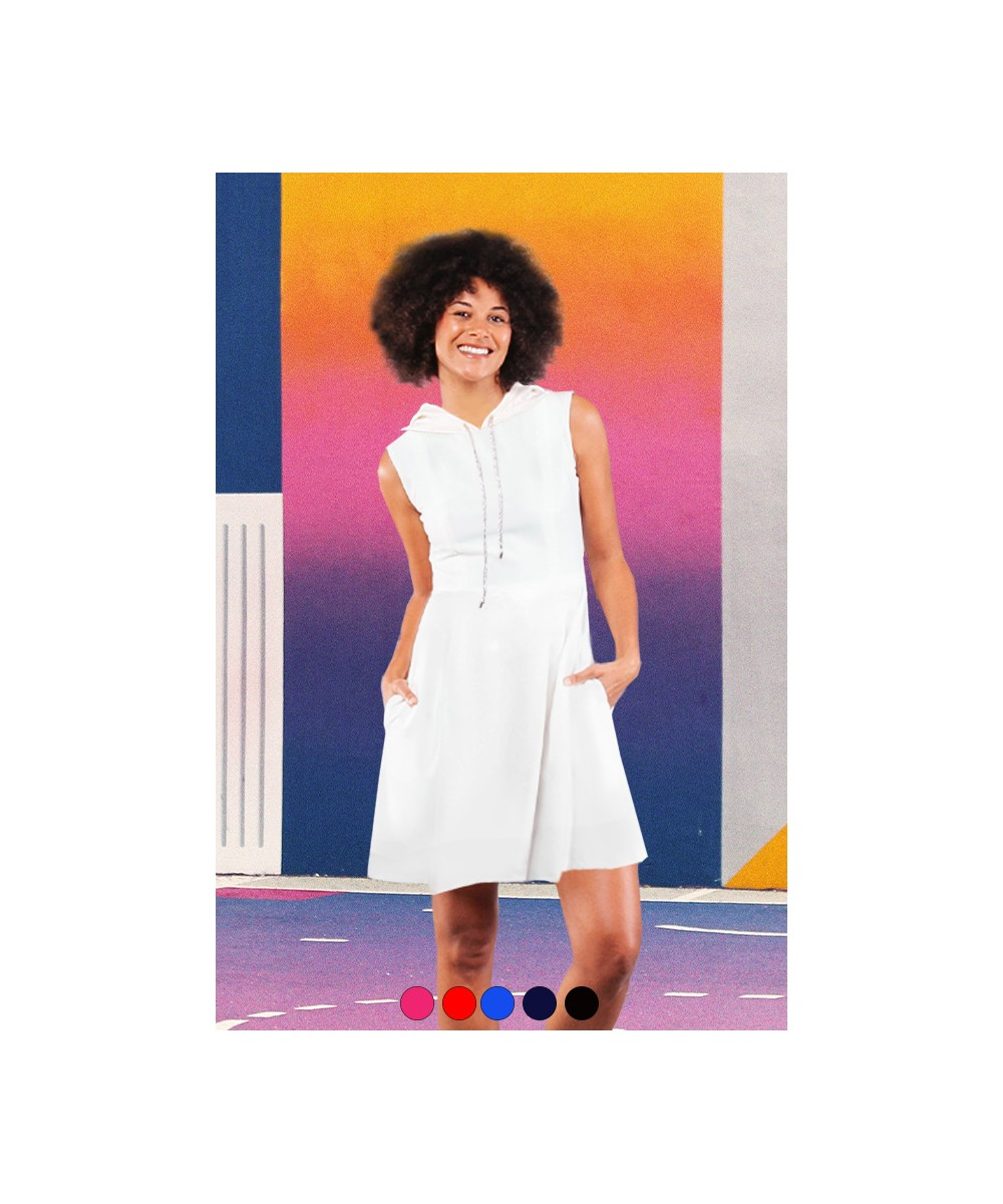 Robe Amandine avec capuche sans manches portée personnalisable