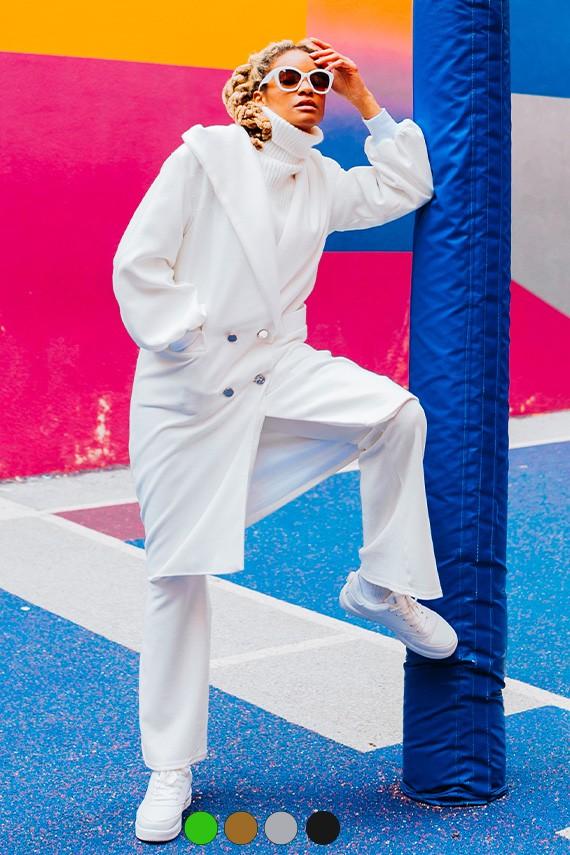 Manteau croisé coupe droite Morgane porté avec capuche
