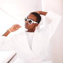 ☀️ On dirait le sud .... 🎶  Un bain de soleil ça vous dit ?  📷rivers_picture  #amasos#amasosparis#customclothing#secondemainclothes#madeinfrance#artisanatfrancais#french#élégance#casualchic#fashionstyles#fashionnista#girlbosses#fashioninspiration#modestyle#mode#manteaux#moderesponsable#modeétique#slowfashion#ecofashionp#faitmain#Odechet#upcycling#consciousfashion#modedurable#zérocarbone#zerowaste#zerowasteliving#zerowastelifestyle#slowlife